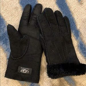 Ugg black suede & fur gloves M